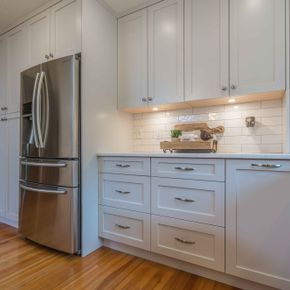 Custom Kitchen Cabinets 10